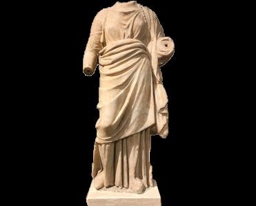 Γυναικείο μαρμάρινο αγαλμάτιο από το ιερό του Δερβενίου, © ΥΠΠΟΑ-ΑΜΘ