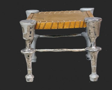 Αργυρόπους δίφρος του 4ου αι. π.Χ. © ΥΠΠΟΑ - ΑΜΘ